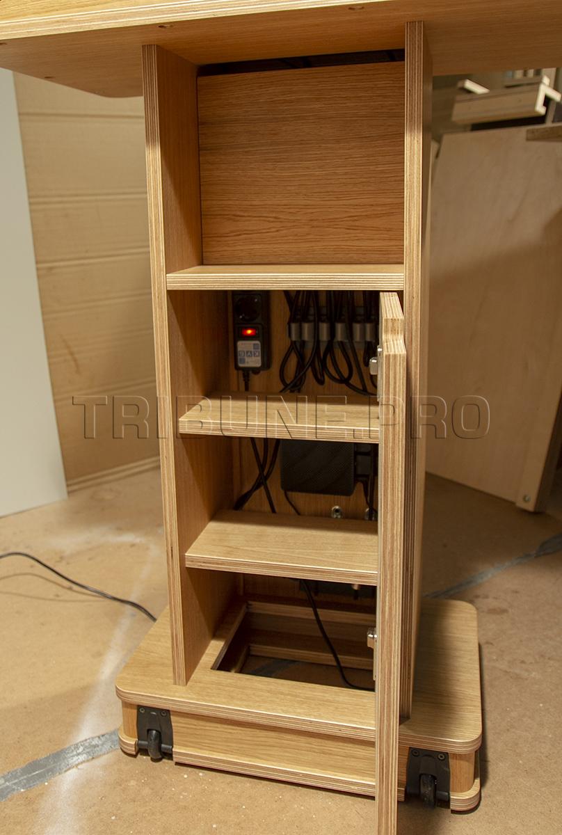 Оборудование для выступлений в трибуне